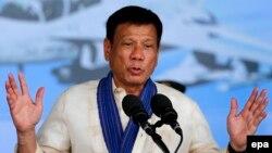 Presiden Filipina Rodrigo Duterte mencabut gencatan senjata dengan pemberontak komunis (foto: dok).