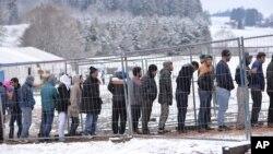 مهاجرین در سرحد میان آلمان و اتریش