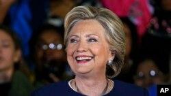 La candidata presidencial demócrata, Hillary Clinton, hace declaraciones en un evento organizativo de los demócratas de Pensilvania en Pittsburgh en el campo Heinz en Pittsburgh. Foto de archivo.