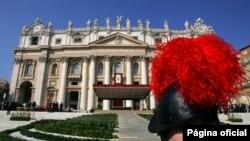 Plaza de San Pedro en Roma, donde el papa Benedicto XVI aceptó la reunicia del obispo argentino Fernando María Bargalló.