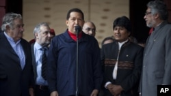 委內瑞拉總統查韋斯在電視上向軍隊發表演說