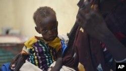 Nyagoah Taka Gatluak, 1 an, souffre de malnutrition sévère, Leer, Soudan du Sud, 15 décembre 2015.
