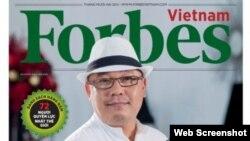 Ông Hoàng Khải, Chủ Tập đoàn Khải Silk trên bìa Tạp chí Forbes bản tiếng Việt. (Chụp từ Trang Forbes)