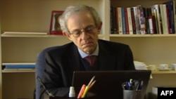 Danijel Server, analitičar