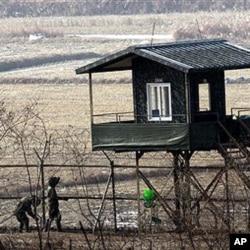 图为分割朝鲜与韩国戒备森严的非军事区