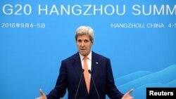 Menlu AS, John Kerry, berbicara dalam sebuah konferensi pers pada Pertemuan Puncak G20 (4/9). Hangzhou, China. (foto: REUTERS/Wang Zhao).