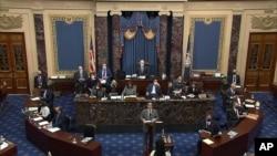 Керуючий імпічментом конгресмен Джеймі Раскін під час виступу в Сенаті 10 лютого