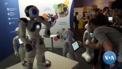 英语视频:科学家教机器人利用经验提高性能