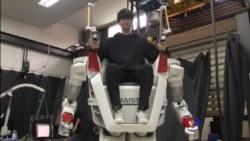 2018-02-20 美國之音視頻新聞: 南韓研發出能承載人類的機器人讓行動更加無障礙