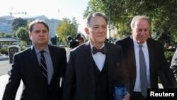 乔治·肯特抵达国会准备作证。(2019年10月15日)