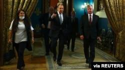 Ministri i Jashtëm rus Sergei Lavrov dhe Zëvendës Sekretari amerikan i Shtetit Stephen Biegun
