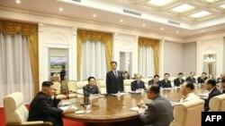 16일 북한 노동당 중앙위원회 제8기 제3차 전원회의가 이틀째 열렸다.