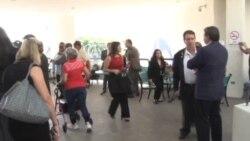 Ciudadanos en contra de consulado cubano