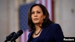 资料照片: 哈里斯参议员在加州奥克兰举行的集会上讲话,开始了她的总统竞选活动。(2019年1月27日)