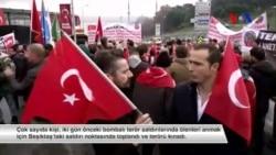 Beşiktaş'ta Toplanan Kalabalık Terör Kurbanlarını Andı