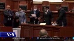 Shqipëri: Parlamenti Pro shkarkimit të Presidentit Meta