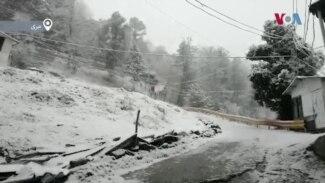 مری میں موسم سرما کی پہلی برف باری