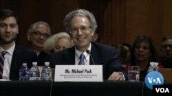 Michael Pack durante una audiencia del Senado sobre su nominación como CEO de la Agencia de Medios Globales de Estados Unidos.