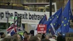 Які ризики постануть перед Великобританією, якщо Брекзит станеться без угоди? Відео