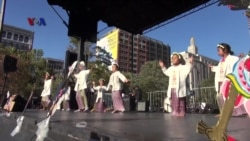 Warga AS Menari Poco-Poco di Festival Indonesia di Boston