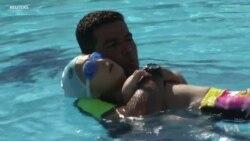 เด็กชายเเขนพิการวัย 8 ขวบใฝ่ฝันว่าจะเป็นนักว่ายน้ำตัวแทนอียิปต์