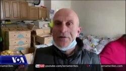 Nju Jork: Aleksandër Nilaj ndihmon njerëzit në nevojë gjatë pandemisë së koronavirusit