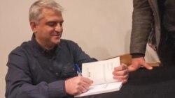 """Владимир Јанковски, добитник на """"Роман на годината"""": Македонскиот писател се чувствува клаустрофобично"""
