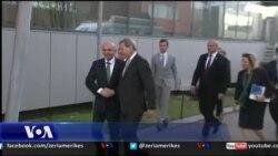 Johannes Hahn viziton Kosovën