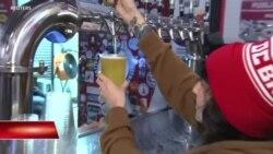 Mỹ: Bia miễn phí cho nhân viên chính phủ không được lãnh lương
