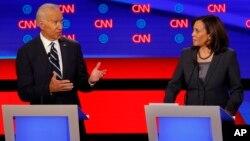 Камала Харрис и Джо Байден во время второго раунда дебатов (Детройт, 31 июля 2019 г)