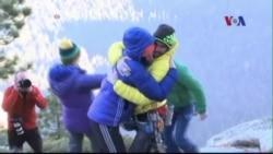 Hai người Mỹ chinh phục ngọn núi khó leo nhất thế giới bằng tay không