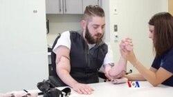 美國海軍陸戰隊員成功接受雙臂移植
