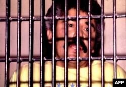 El narcotraficante mexicano Rafael Caro Quintero se muestra tras las rejas en esta foto de archivo sin fecha.