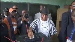 Le vice-président et candidat Joseph Boakai a voté au Liberia (vidéo)