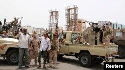 نیروهای «شورای انتقالی جنوب» مورد حمایت امارات در شهر عدن در جنوب یمن - ۱۹ مرداد ۱۳۹۸