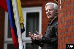 위키리크스 설립자 줄리안 어산지.