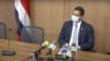 El diputado costarricense Gustavo Viales durante la rueda de prensa en que anunció la separación temporal de sus funciones legislativas. Captura de video.