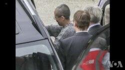 廖亦武等人在柏林机场欢迎刘霞