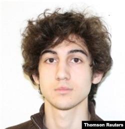 Dzhokhar Tsarnaev, tersangka dalam ledakan Boston Marathon, digambarkan dalam foto selebaran FBI yang tidak bertanggal. (Foto: Reuters)