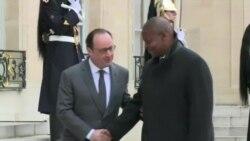 Rencontre Hollande-Touadéra à Paris (vidéo)