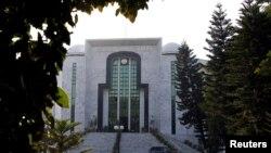 خصوصی عدالت نے پرویز مشرف کو سنگین غداری کیس میں سزائے موت سنائی تھی۔