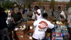 2015-05-05 美國之音視頻新聞:志願者協力援助巴爾的摩暴亂受害者