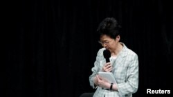 Trưởng đặc khu Hong Kong Carrie Lam tại cuộc đối thoại mở tại Hong Kong, ngày 26/9/2019. REUTERS/Tyrone Siu