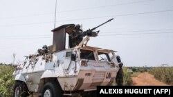 Des commandos égyptiens de la force des Nations unies en République centrafricaine (MINUSCA) montent la garde dans la banlieue de Bangui, la capitale de la République centrafricaine, le 25 décembre 2020.