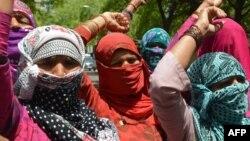 Warga dari kasta Dalit melakukan aksi protes atas korban pemerkosaan di New Delhi, India (foto: dok).
