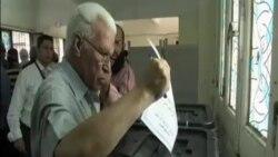 埃及民眾在延遲已久的議會選舉中投票