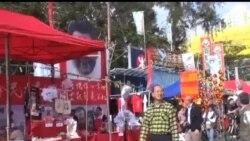2013-02-06 美國之音視頻新聞: 梁振英在香港年宵花市成發泄對象