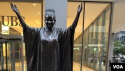 """Tererai Trent is one of 10 """"Statues For Equality"""" created by sculptors Gillie and Marc Schattner. (VOA/Marvelous Nyahuye)"""