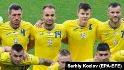 Игроки сборной Украины по футболу в новой форме на матче против Кипра. Харьков, 7 июня 2021