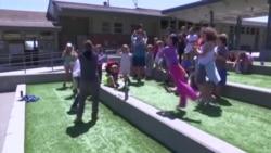 美国万花筒:美国跨性别儿童激增 彩虹夏令营应运而生